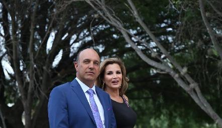 Roberto y Bertha Alcalde.