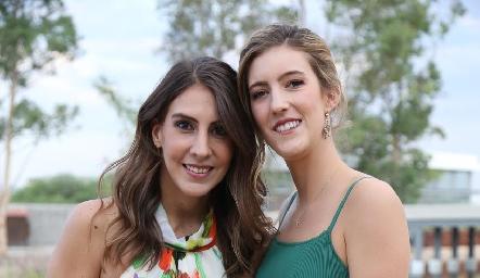 Ceci Castelo y Clarissa Abella.