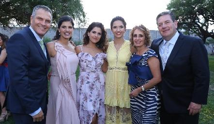 Jacobo con la familia Siller Payán.