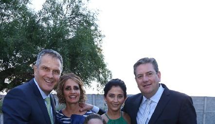 Humberto Siller, Mireya, Ximena, Verónica y Jacobo Payán.