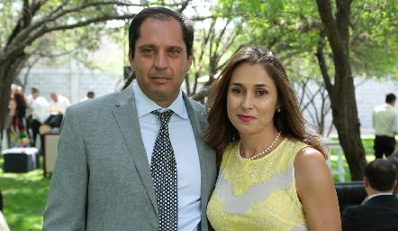 Jorge Morales y Liz Stevens.