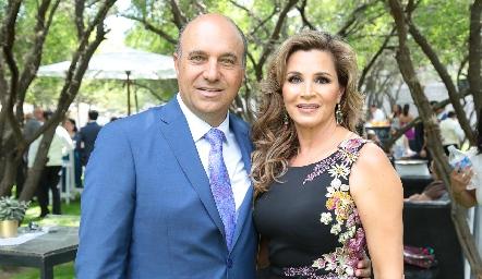 Roberto Alcalde y Bertha Barragán.