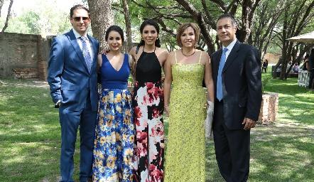 Guillermo Hernández, Bety Lázaro, Ilse Lázaro, Bety Lavín y José Manuel Lázaro.