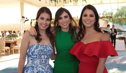 Cristina Kasis, Andrea Zúñiga y Lucía González.