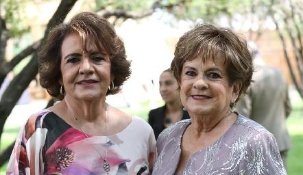 Juana María Atisha y Yolanda de Payán.