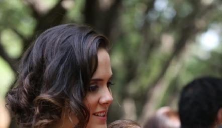 Ana Gaby con su pequeña hija Inés.