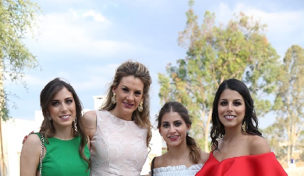 Andrea Zúñiga, Benilde Hernández, Conchita Stahl y Lucía González.