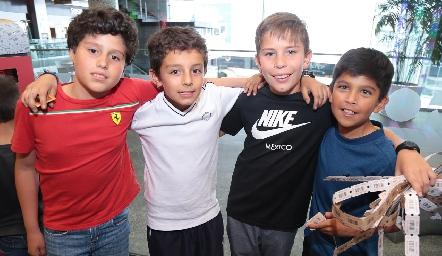 Alex, Max, Agustín y Emmanuel.