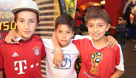 Juan Carlos, Pedro y Benjas.