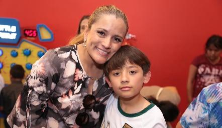 Yolanda Tapia y Marco.