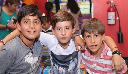 Marcelo, Víctor y Mauricio.