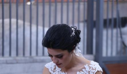 Daniela plasmando su huella.