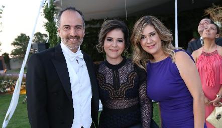 Marcelo de los Santos, Mitzi Mier y Lilian Dorador.