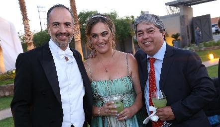 Marcelo de los Santos, Gaby Bárcena y Gerardo Córdova.
