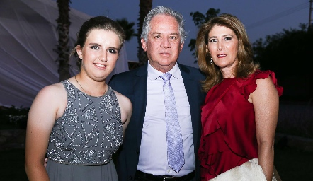 Sofía Torres, Miguel Torres y Mónica Hernández.