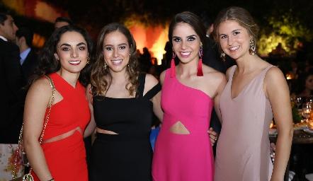 María Bravo, Lucía Esparza, Pía Gómez e Isa García.