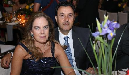 Beatriz y Alejandro Uribe.