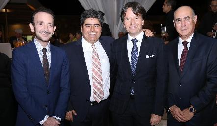 Carlos, Francisco Leos, Filiberto Herrera y Jaime Oliva.
