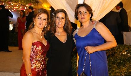 Adriana Carrera, Martha Elena Muñiz y Maru Martínez.