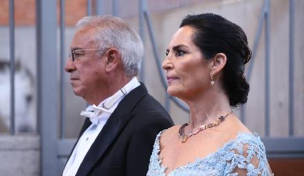 José Manuel Rosillo y Tere del Pozo de Rosillo, papás de Santiago.