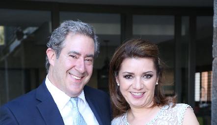 Brandon Engel e Hilda Rodríguez.