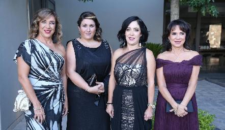 Rosy, Marie y Lorena Díaz Infante y Martha Hernández.