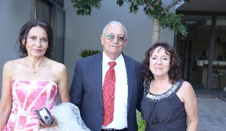 Amparo, Antonio y Maricarmen Rosillo.