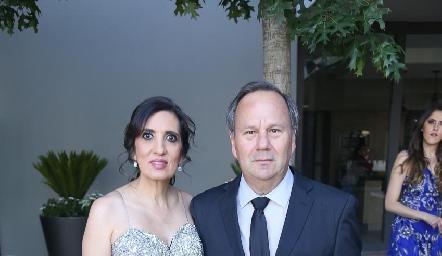 Karina Santoscoy y Fernando Foyo.