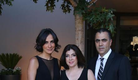 Maricarmen Galarza, Leticia y Alejandro Anaya.