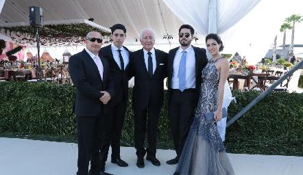 Llegando a la boda.