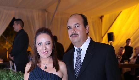 Lorena y Carlos Sánchez.