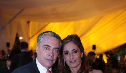 Gerardo Serrano y Mónica Gaviño de Serrano.