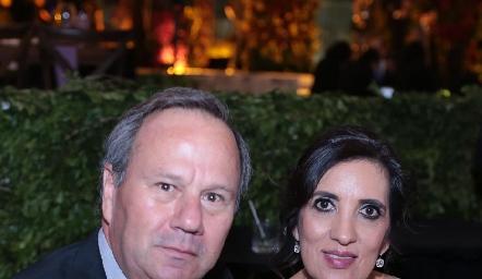 Fernando Foyo y Karina Santoscoy.