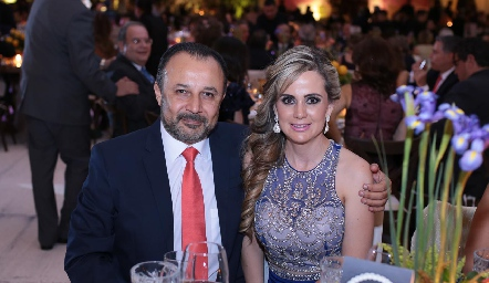 Fernando y Paty Anette Díaz de León.