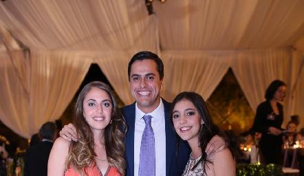 Vero Martínez, Omar Díaz y Julieta Contreras.
