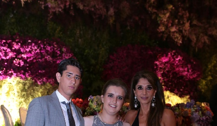 Diego Acosta, Sofía Torres y Cecilia de los Santos.
