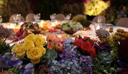 La mesa principal.