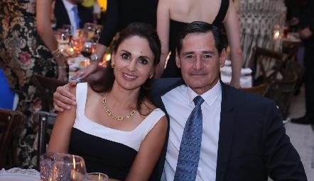 Gabriela y Fernando Díaz de León.