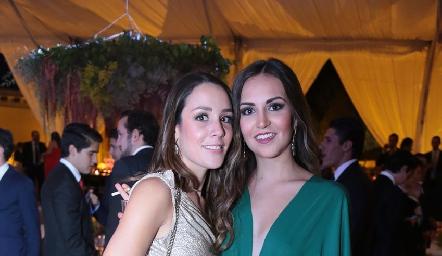 Ximena Castillo y Susy Levenez.