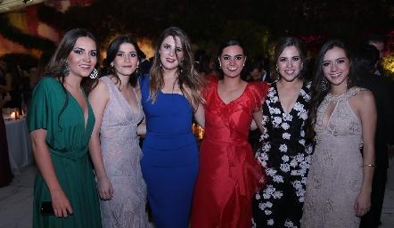 Susy Levenez, Daniela Díaz, Luli Robles, Isa Rosillo, Pau Robles y Jacky de la Garza.