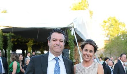 Jean Franco Pizzuto y Alejandra Allende.