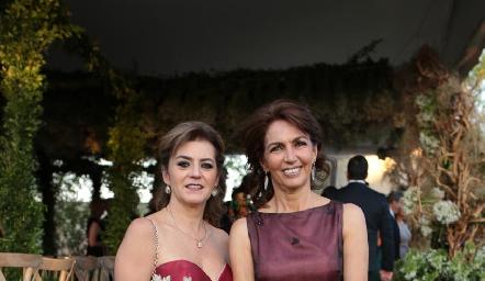 Adriana Carreras y Claudia Canales.