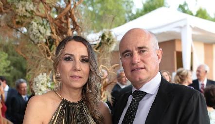 Roxana Serna y Tomas Alcalde.
