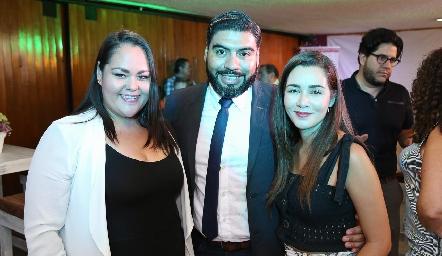 Jessica García, Juan Carlos Hernández y Claudia Gutiérrez .