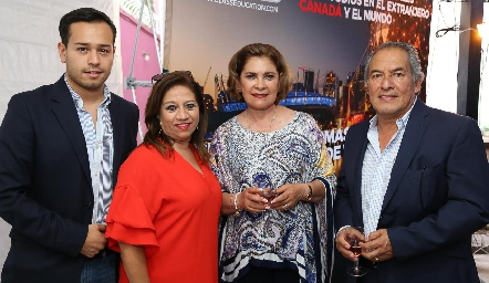 Joseph Espinoza, Silvia Yáñez, Neri Alderete y Jesús Espinoza  .
