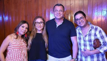 Pamela Acosta, Montserrat , Carlos Nava y Salvador Jasso.