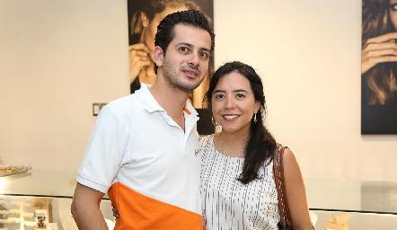 Adrián Bandín y Liz Martínez .