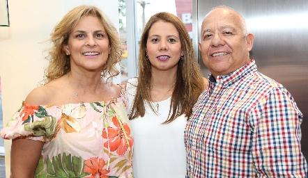 Maritza D'Argence, Valeria Rocha y Antonio Rocha.