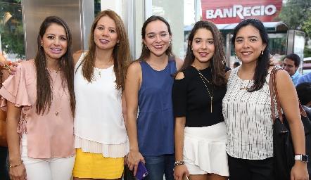 Adriana Rodríguez, Valeria Rocha, María José Ramírez, Luisa Rocha y Liz Ramírez.