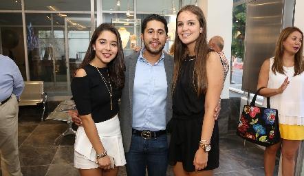 Luisa Rocha, Jorge Rocha y Ana María Reyes.